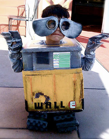 35 homemade halloween costumes for adults kids cool for Homemade recycled products