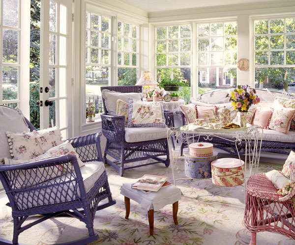 Sunroom furniture ideas roselawnlutheran for Indoor patio decorating ideas