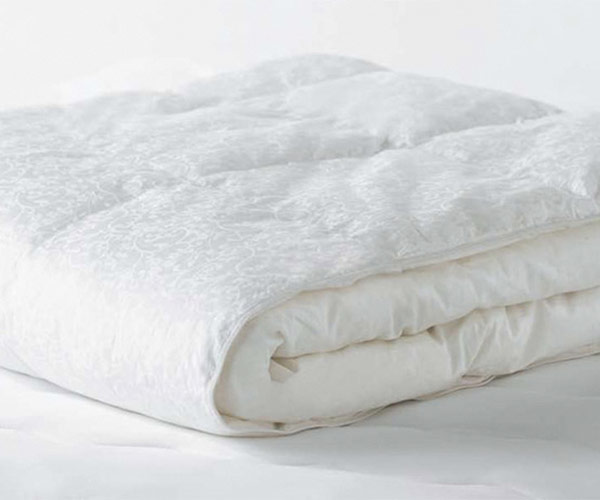 beyond down synthetic down comforter by the carpenter company twin fullqueen king 80 to 120