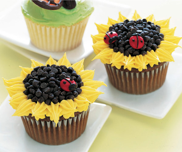 Cupcake Decorating Ideas Simple : Images Of Cupcakes Decorated www.pixshark.com - Images ...