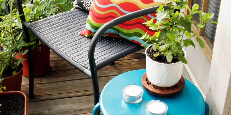 Small Outdoor Decor Ideas - Decorate Your Small Yard or Patio