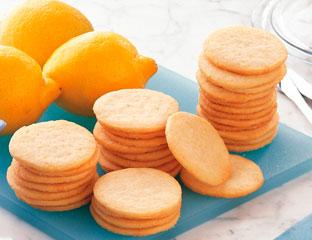 lemon slice and bake cookies