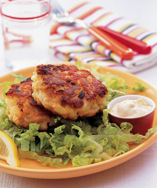 Salmon Cakes: Salmon Cakes With Soy-Ginger Mayonnaise