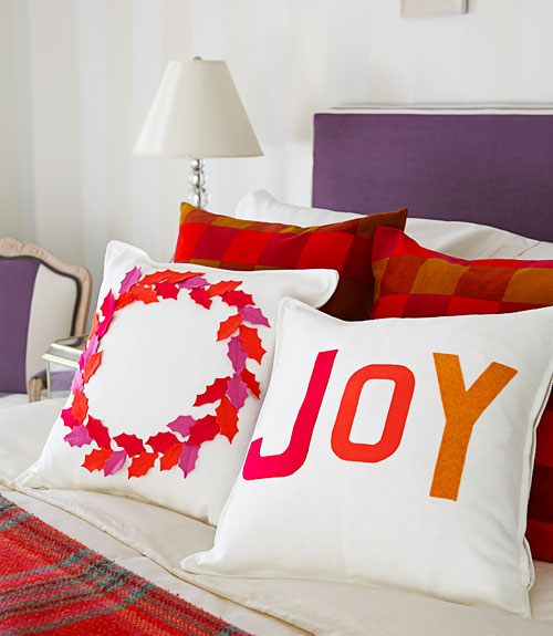 Decorating With Pillows how to decorate pillows with felt - felt christmas pillows directions