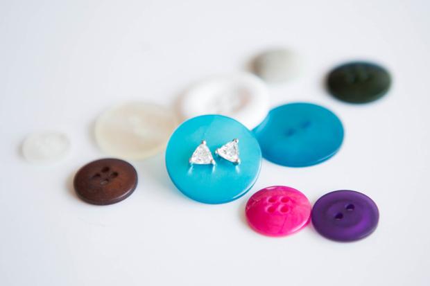 DIY Buttons Jewelry Storage Ideas