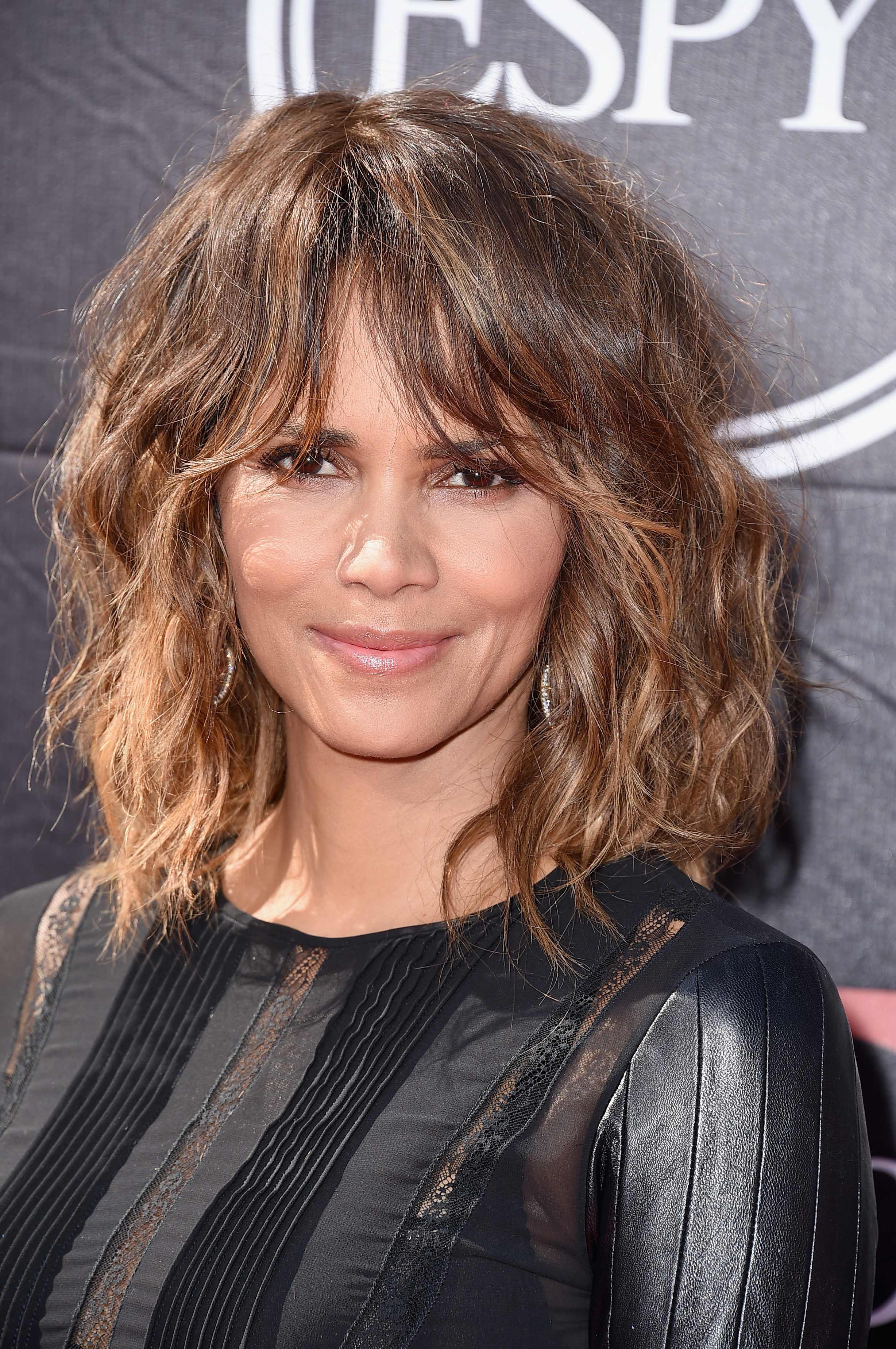 30 best hairstyles with bangs — photos of celebrity haircuts with