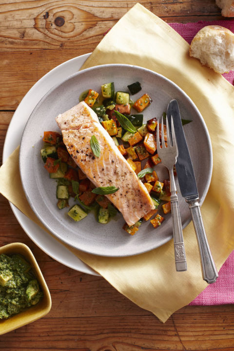 Itdoesn't get any better than fish when it comes to healthy protein,especiallysalmon, tunaand sardines. They'refilled withimportant omega-3s and lean protein, helping you fill up and curb cravings.