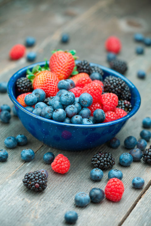 Berriesare packed with fiber (up to 9 gramsa cup!) and antioxidantsbut containlesssugar than most fruits. That combo makesthem a satisfying and healthy choice.