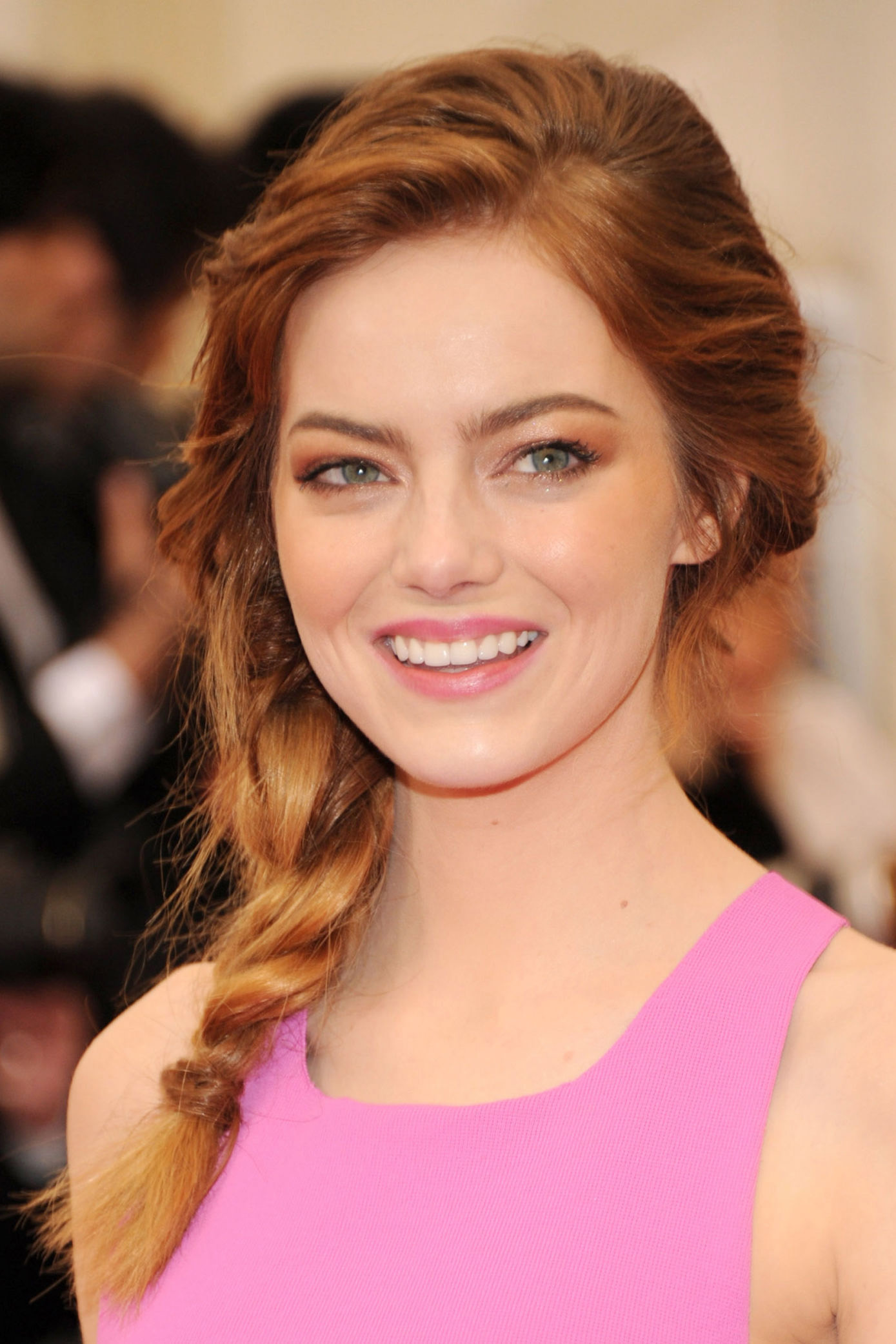 16 best guest hairstyles for every kind of wedding - easy wedding