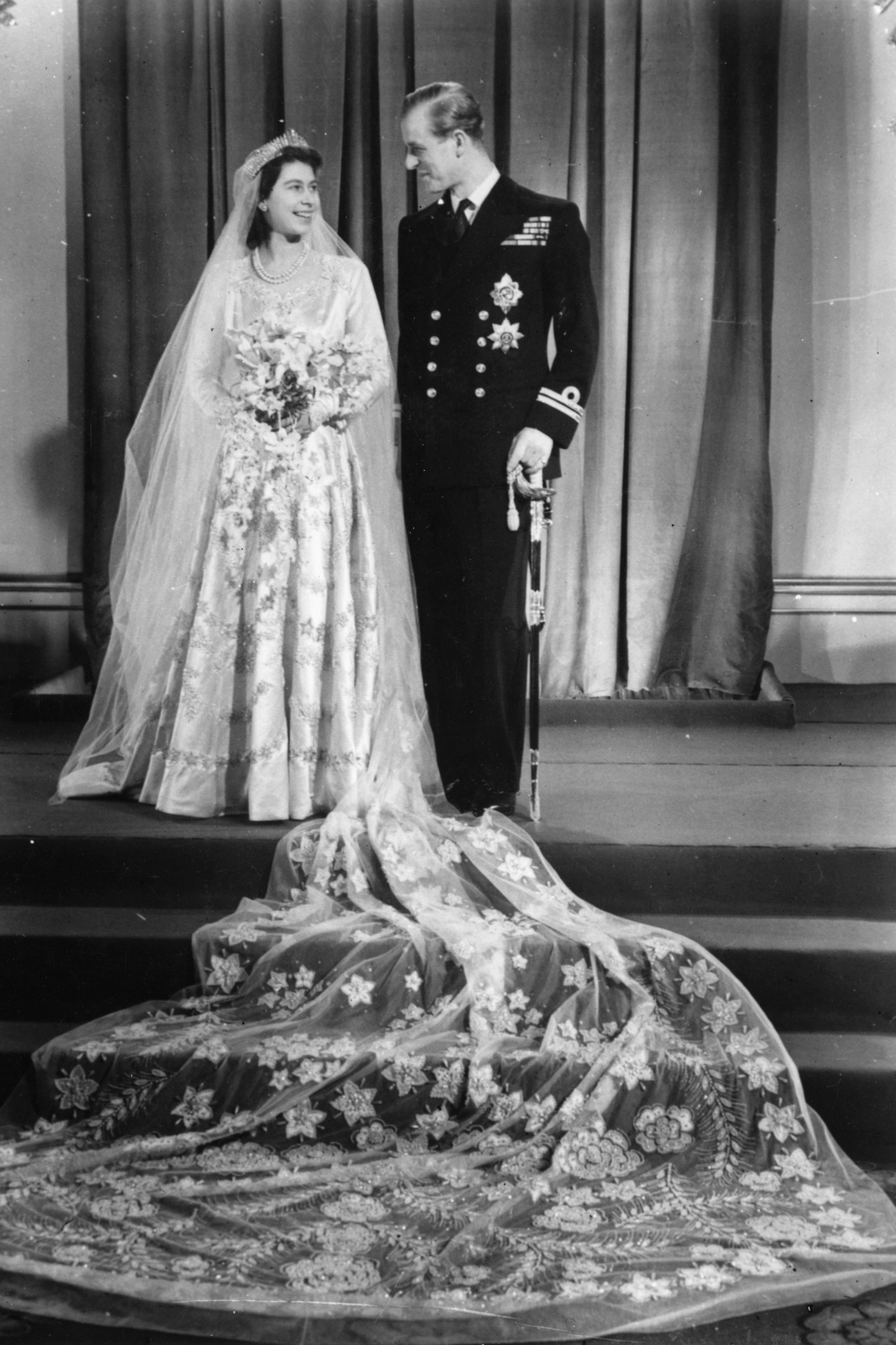 queen wedding dresses 10 details you didn t about elizabeth s 6933