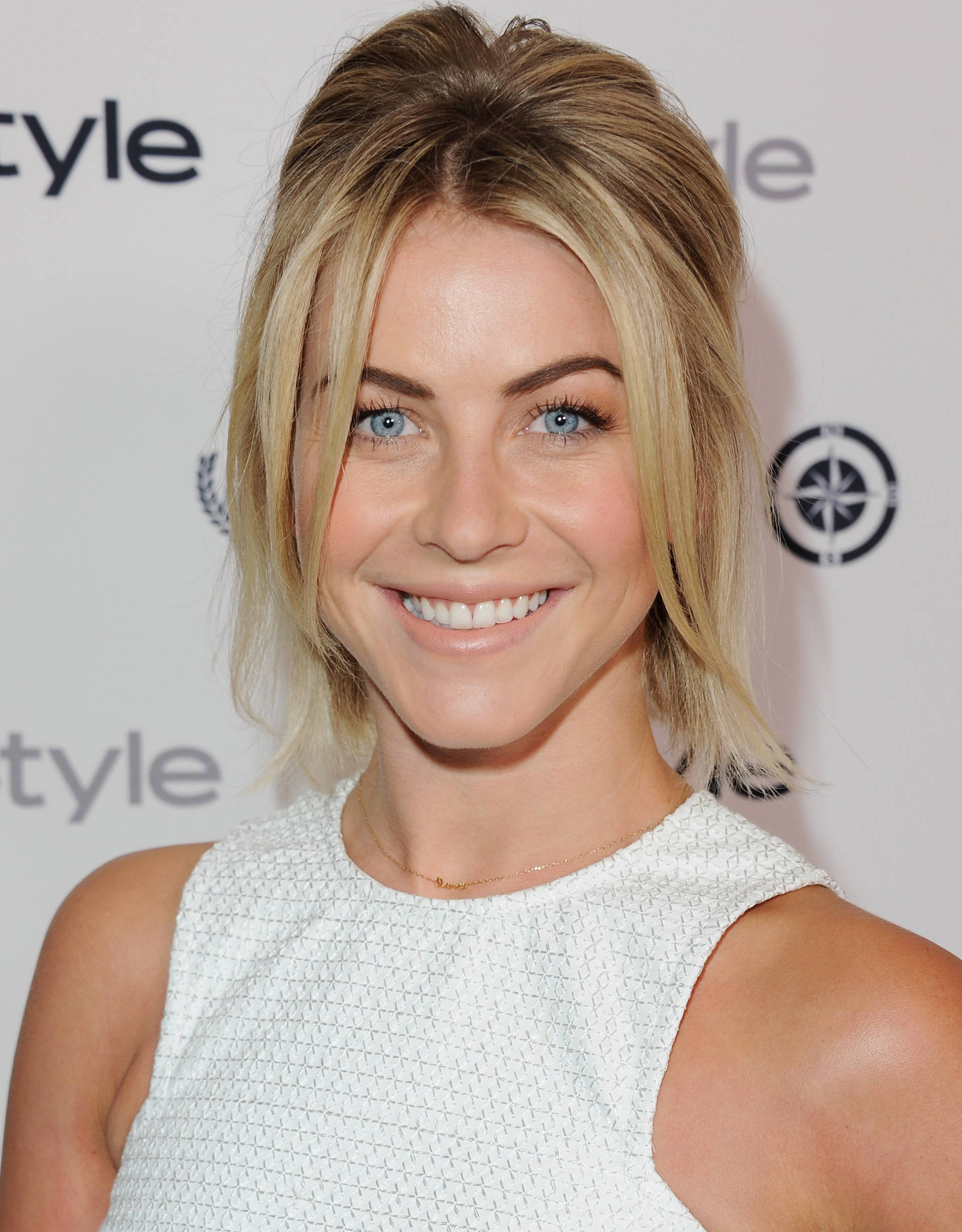 julianne hough hair styles julianne hough hairstyles fade haircut 4763 | 54ff6da9b40f3 julianne hough half pony s2