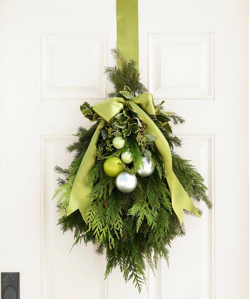garage door halloween decoration ideas - Green Christmas Decorations Ideas for Lime Green