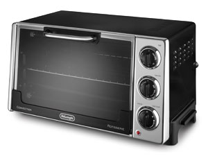 DeLonghi Convection Toaster Oven with Broiler and Rotisserie RO