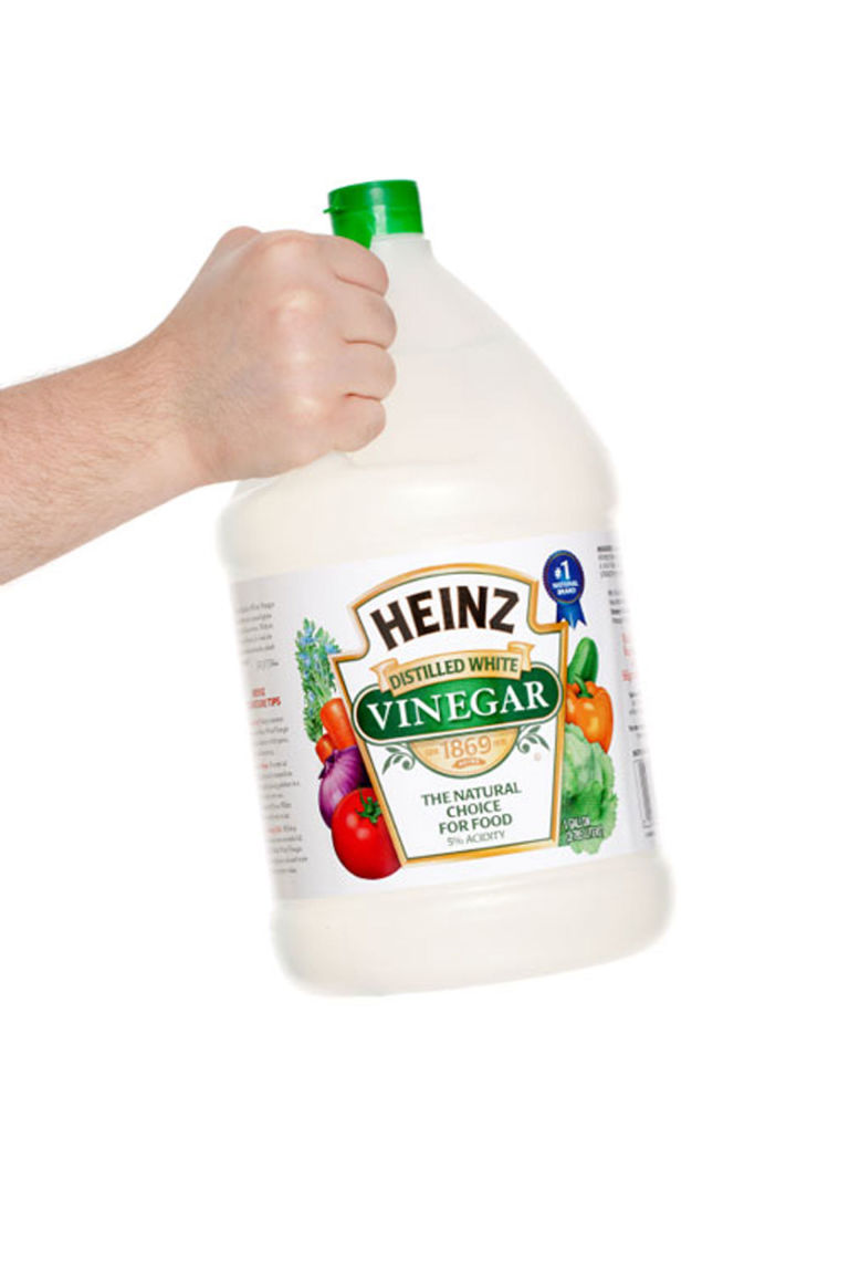 distilled white vinegar